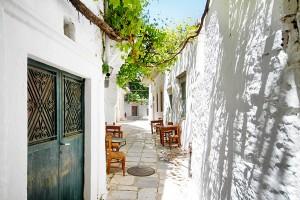 apiranthos village naxos